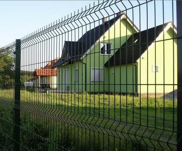 Powder Coated Galvanized Welded Wire Mesh Fence Panels 2.2m 2.5m