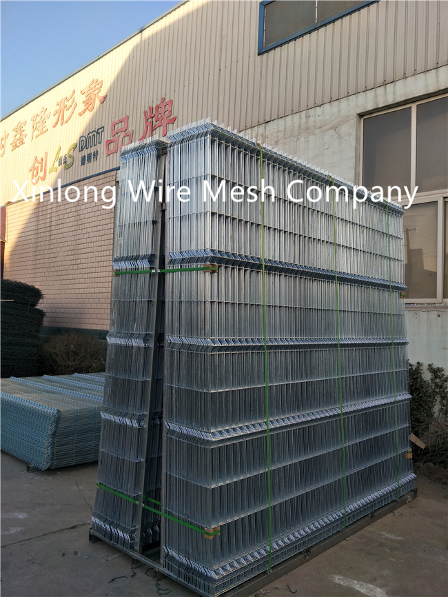 Easy Install Galvanized Welded Wire Mesh Sheets For Boundary Wall XLF01