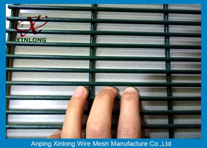 Powders Sparyed Coating High Security Fence With 12.7 X 76.2mm Mesh Size