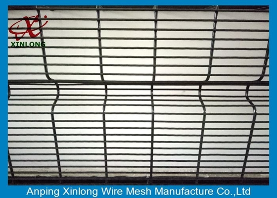 China Anti Ultraviolet Wire Mesh Security Fencing Convenient Installation 12.7*76.2mm supplier