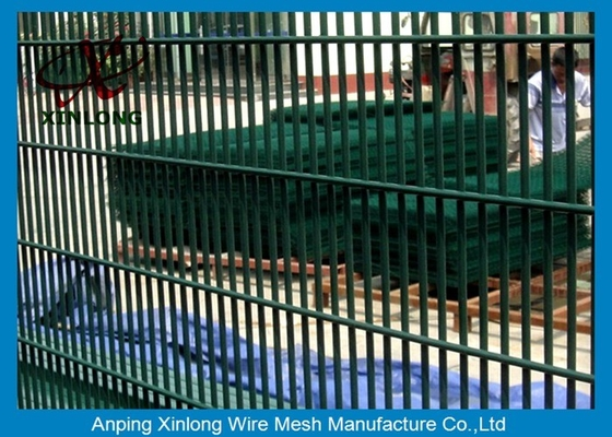 China Powders Sparyed Coating High Security Fence With 12.7 X 76.2mm Mesh Size supplier