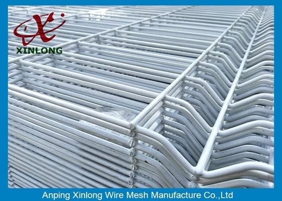 Easily Assembled,Eco Friendly   PVC coated  fence and  garden wire mesh fence