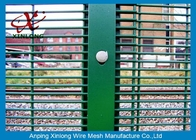 China Durable Metal Security Fence Panels , Security Mesh Fencing 2.8m Height RAL6005 factory