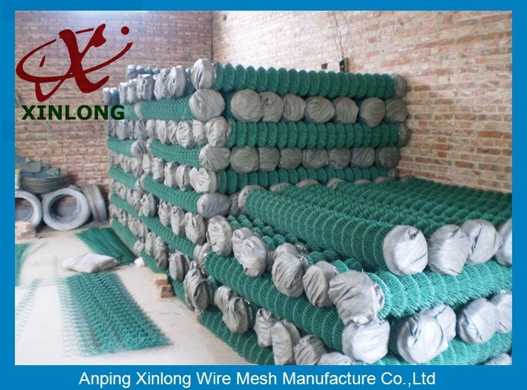 Low Carbon Steel Wire Diamond Chain Link Fence / Sports Ground Fencing