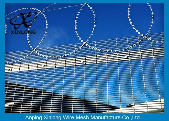 Anti - Climbing High Security Fence Panels With 4.0mm Wire Diameter
